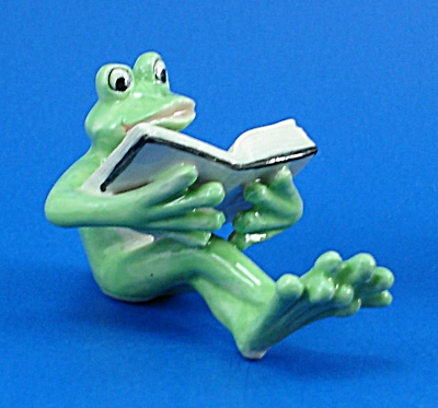 K888 Frog with Book (Image1)