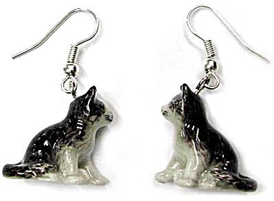 JE007 Kitten Earrings (Image1)