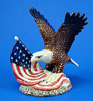 R115r Bald Eagle With Flag