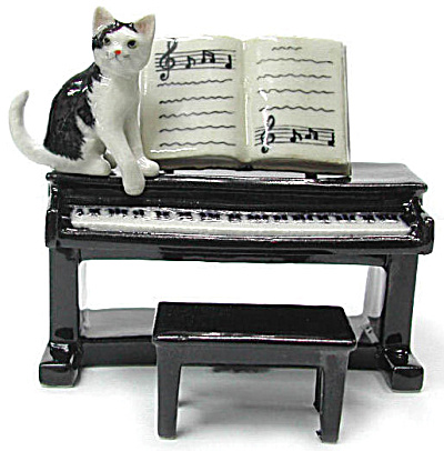 R244 Cat With Piano