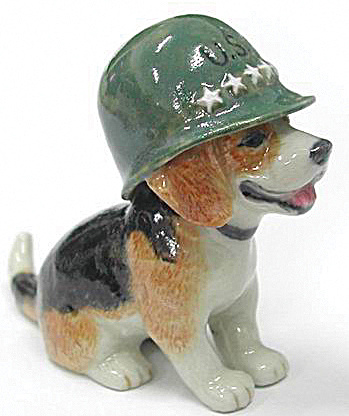 R154 Beagle Puppy With Army Helmet