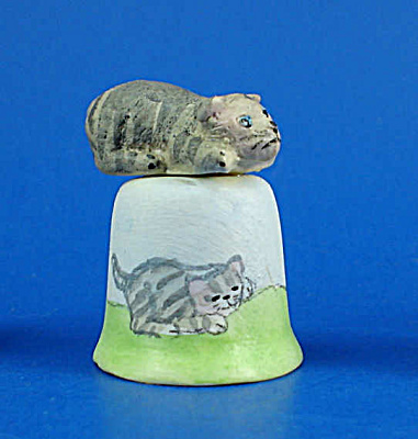 Klima Hand Painted Ceramic Thimble - Cat (Image1)