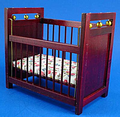 Dollhouse Wood Baby Crib (Image1)