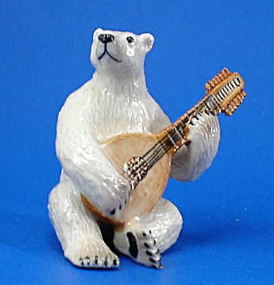 K6752 Polar Bear with Lute (Image1)