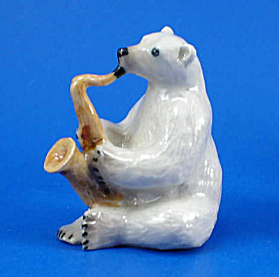 K6752 Polar Bear with Sax (Image1)