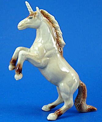 K6091 Rearing Unicorn (Image1)