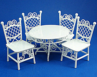 1:24 Dollhouse Mini Wicker Style Metal Table And Chairs