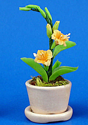 Dollhouse Miniature Flowers in Porcelain Planter (Image1)