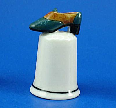 Porcelain Shoe on Thimble (Image1)