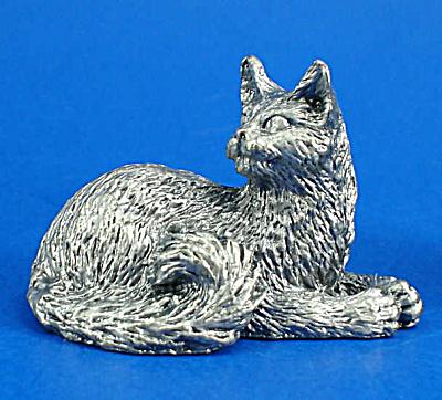 T112 Miniature Metal Lying Persian Cat (Image1)