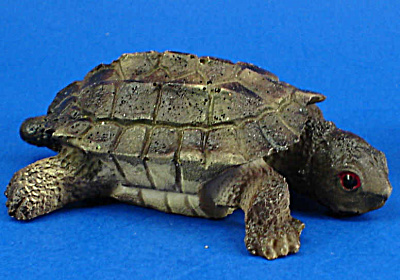 Small Resin Turtle (Image1)