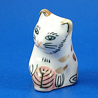 Hand Painted Porcelain Thimble - Cat (Image1)