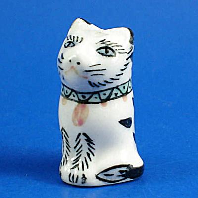 Klima Hand Painted Porcelain Thimble - Cat (Image1)