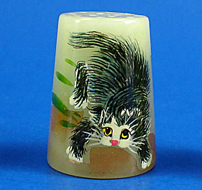 Hand Painted Carved Stone Thimble - Cat (Image1)