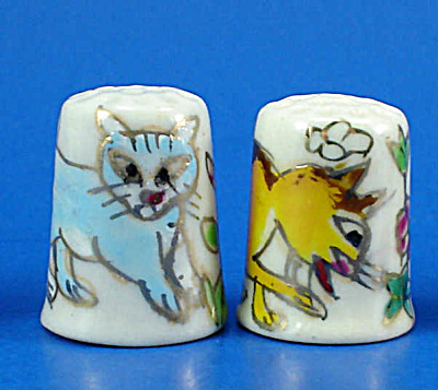 Hand Painted Porcelain Thimble Pair - Cats (Image1)