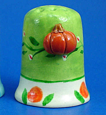 Hand Painted Ceramic Thimble - Pumpkin on Side (Image1)
