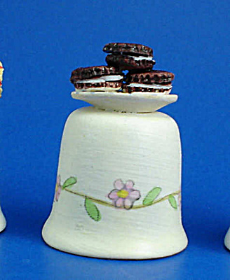 Hand Painted Ceramic Thimble - Cookies (Image1)