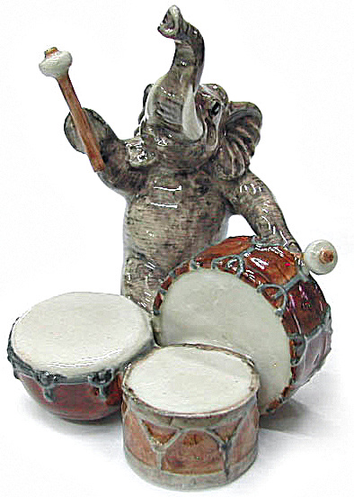 Mb008 Elephant With Drums