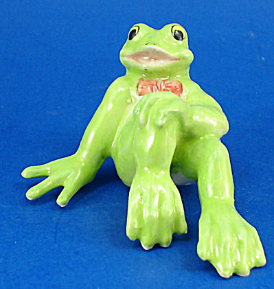 K3551 Sitting Funny Frog (Image1)