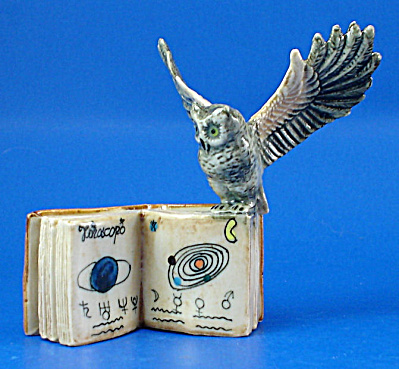 K419 Owl with Zodiac Book (Image1)
