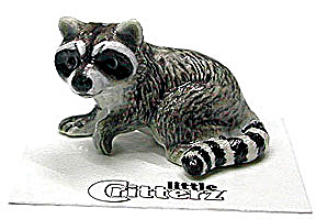 little Critterz LC125 Raccoon named Bandit (Image1)