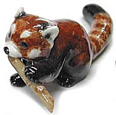 R315c Red Panda With Bamboo, Sitting