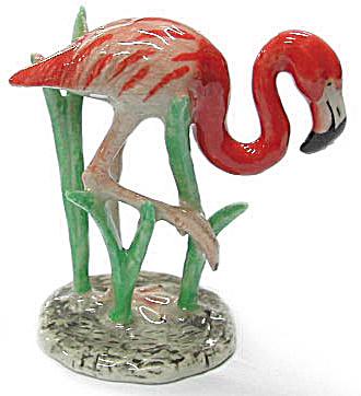 R330 Flamingo on Grass (Image1)