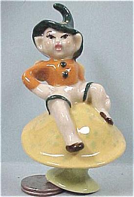 CAS Pixie on Mushroom (Image1)
