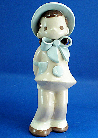 1940s California Pottery Girl With Blue Bonnet