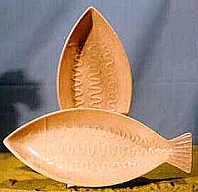 Fish Shaped Serving Dishes (Image1)