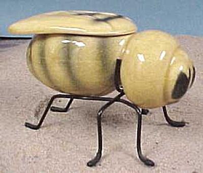 Bumblebee Honey Server (Image1)
