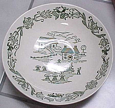 Royal China Serving Bowl (Image1)