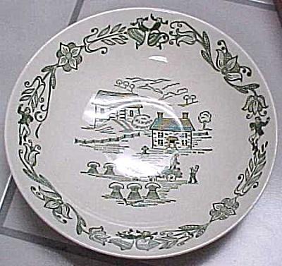 Royal China Serving Bowl (Image1)
