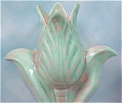 1930s/1940s Pottery Tulip Vase (Image1)