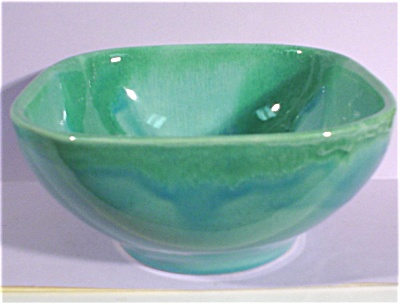 Dryden Pottery Square Bowl (Image1)