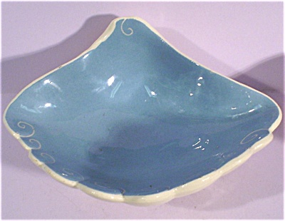 Kay Finch Small Shell Bowl (Image1)