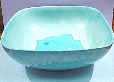 Dryden Pottery Blue Bowl (Image1)