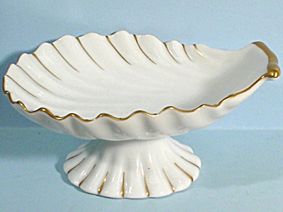 Andrea Japan Shell Shaped Guest Soap Dish (Image1)