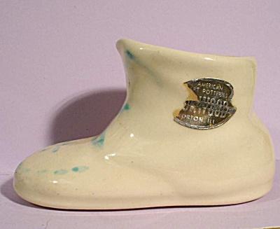 Driftwood Pottery Shoe Planter (Image1)