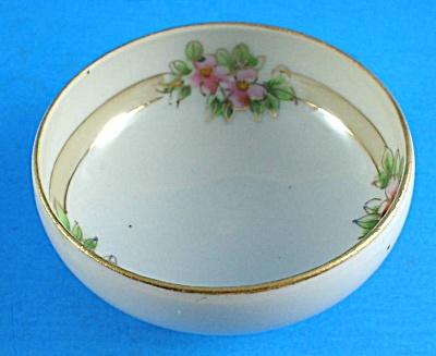 Handpainted Porcelain Nut Cup (Image1)