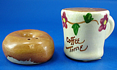 Novelty Miniature Coffee and Doughnut Shaker Set (Image1)