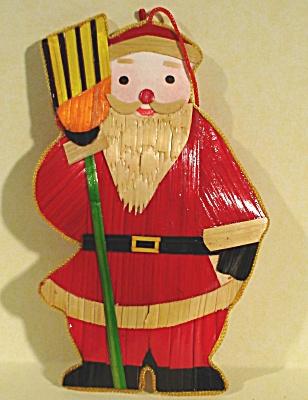 Straw Santa Ornament (Image1)