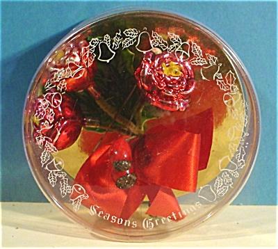 1950s/1960s Glass Roses Christmas Pin (Image1)