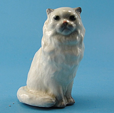 Hagen-renaker Miniature Fluffy Sitting Persian Cat