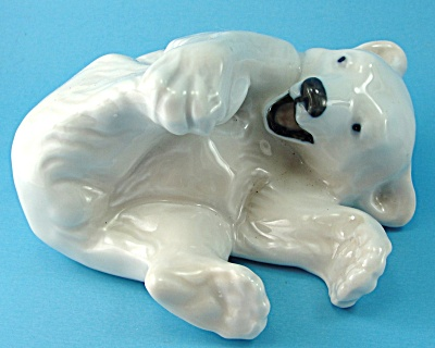 Royal Copenhagen Polar Ear Cub Playing 729