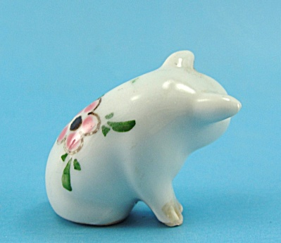Miniature porcelain Sitting Pig (Image1)
