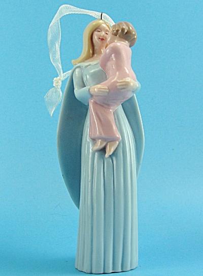 2005 Hallmark Angel and Child Ornament (Image1)