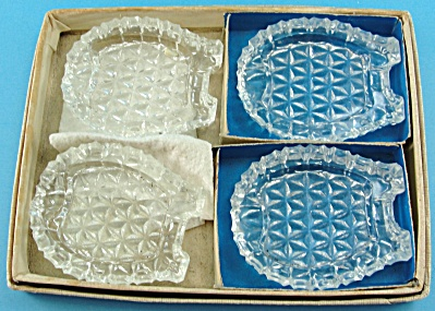 Glass Horseshoe Bridge Ashtray Set