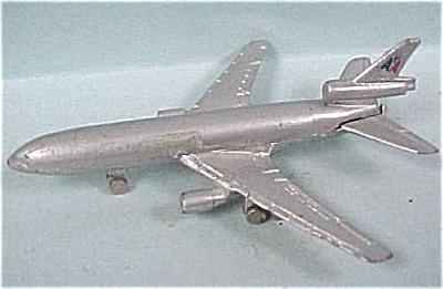 Miniature Diecast DC-10 Airplane (Image1)