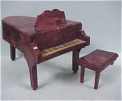 1940s-1950s Jaydon Best Maid Dollhouse Piano (Image1)